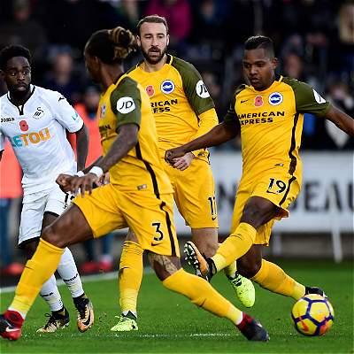 Izquierdo fue titular en el triunfo del Brighton 0-1 frente al Swansea