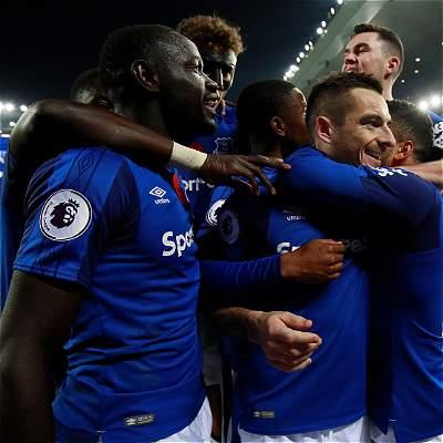 Después de un mes, Everton volvió a ganar: superó 3-2 a Watford