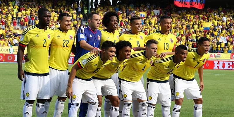 Colombia viajó este viernes a Montevideo para enfrentar a Uruguay