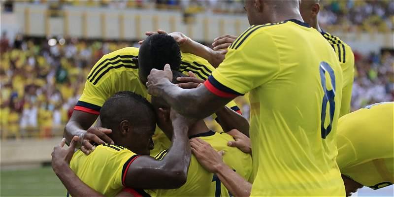 Con \'Teo\' como figura, Colombia venció 2-0 a Honduras, en Cartagena