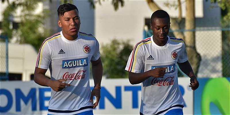 Marlos Moreno y Roger Martínez, primeros en llegar a la Selección