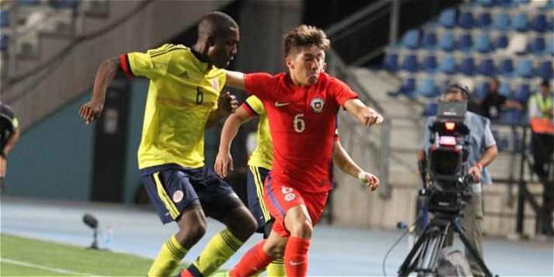 Colombia empató 1-1 contra Chile, el anfitrión, y es líder en su grupo