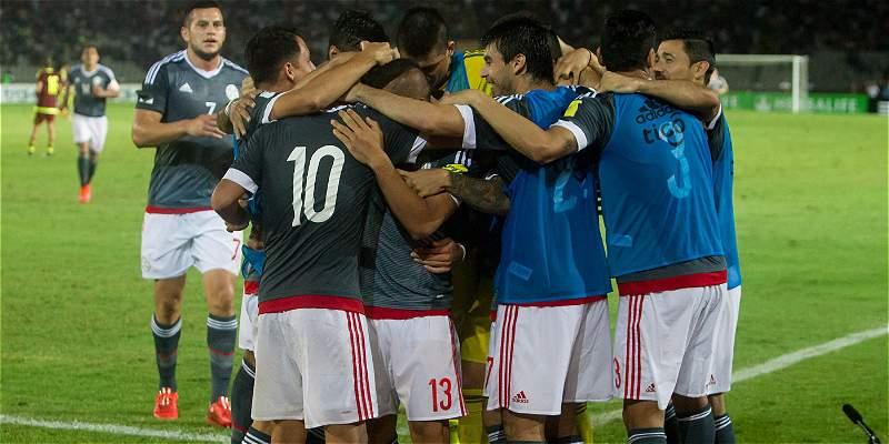 La selección de Paraguay ya prepara el partido contra Argentina