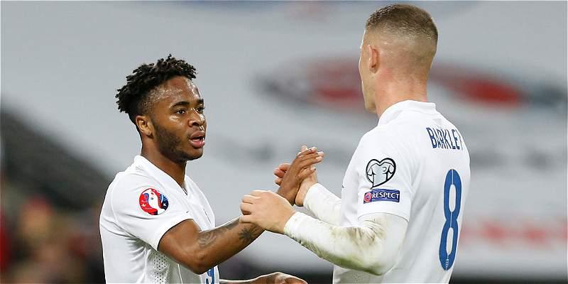 Inglaterra sigue con su racha perfecta, venció 2-0 a Estonia