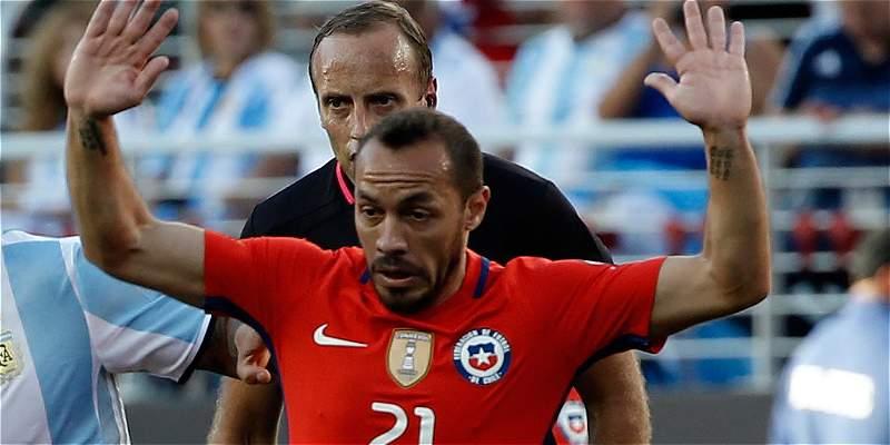 Marcelo Díaz será baja de Chile contra Bolivia por lesión