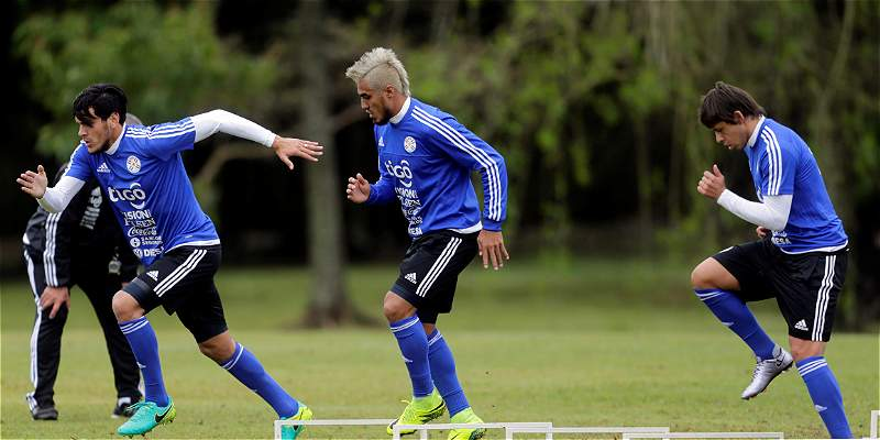 Paraguay, ahora con Arce, tendrá duros exámenes contra Chile y Uruguay