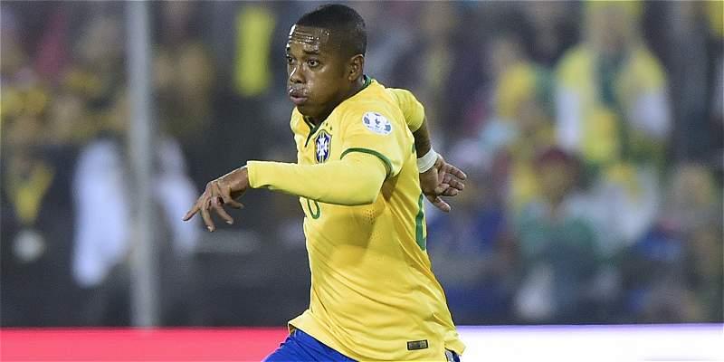 Robinho y Diego destacan en lista de Brasil para juego con Colombia