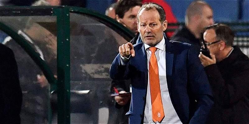 Federación holandesa despide al DT Danny Blind tras pobres resultados