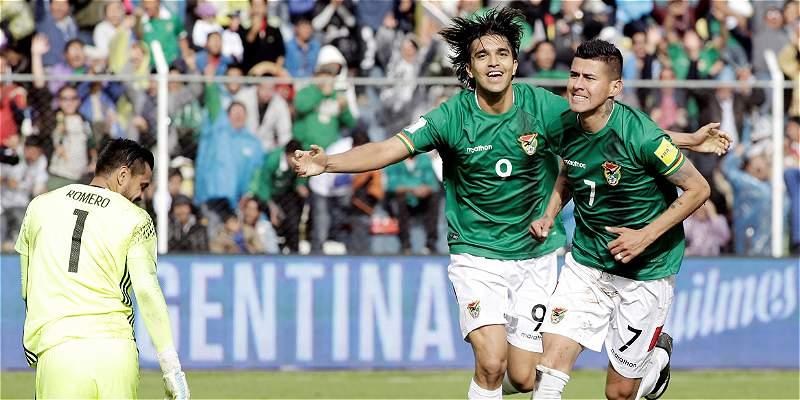 Argentina se \'ahoga\' en las Eliminatorias: perdió 2-0 frente a Bolivia