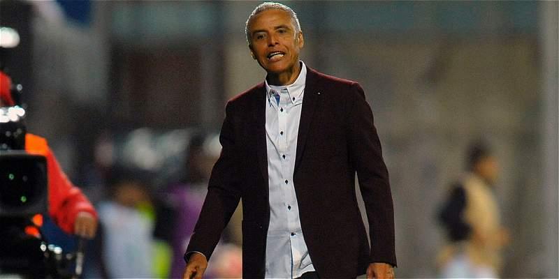 Alexis Mendoza negó la posibilidad de ser DT de la selección Ecuador
