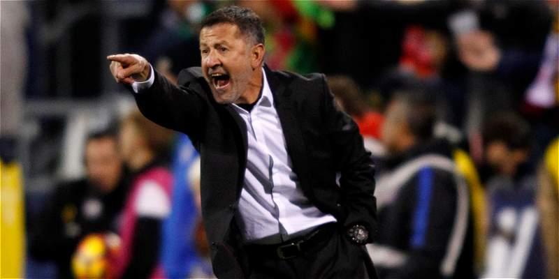 Osorio llama a 32 jugadores para cumplir la agitada agenda de México