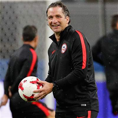 Alexis está disponible y Bravo entrena pero no jugará contra Alemania
