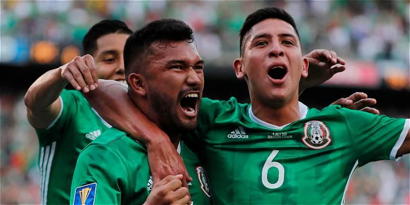 Duelo de técnicos colombianos: México ganó 3-1 al Salvador en Copa Oro
