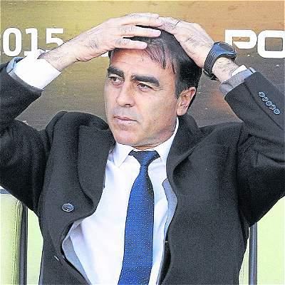 Gustavo Quinteros dejó de ser el técnico de la selección de Ecuador