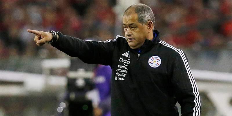 Paraguay confirma la salida de Arce y anuncia que busca entrenador
