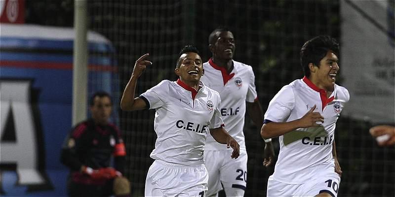 Fortaleza venció 2-1 a Unión y respira en el grupo de los ocho
