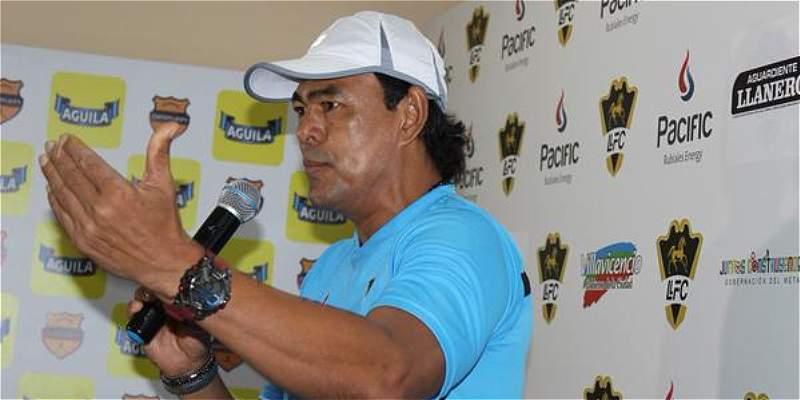 Llaneros F.C. desvincula a su director técnico Víctor González Scott