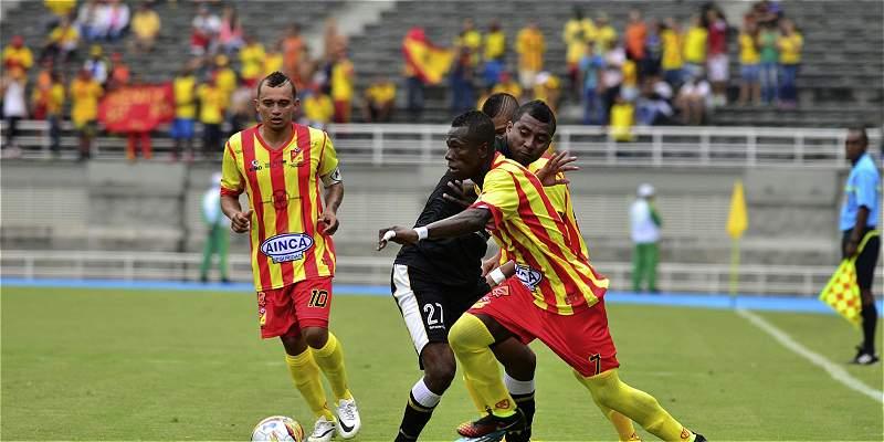 Pereira sigue fuerte en el Torneo de la B: venció 1-2 a Dépor