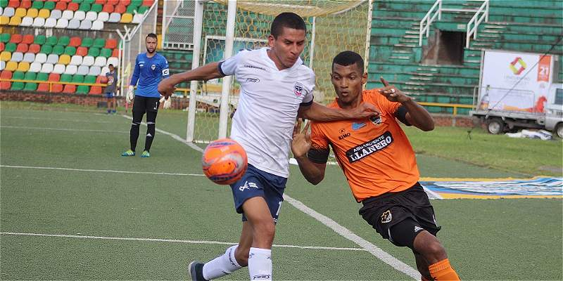 Llaneros venció 2-0 a Fortaleza y sigue firme en el Torneo de la B