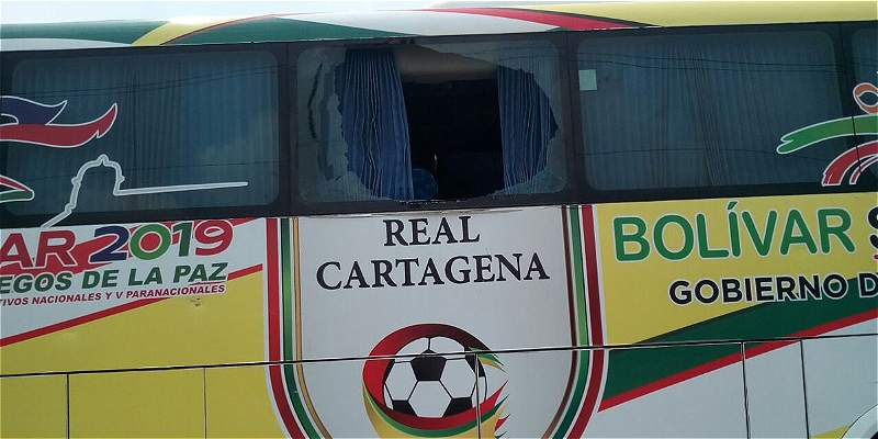 Atacado el bus en el que viajaban jugadores del Real Cartagena
