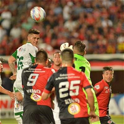 Cúcuta empató con Leones