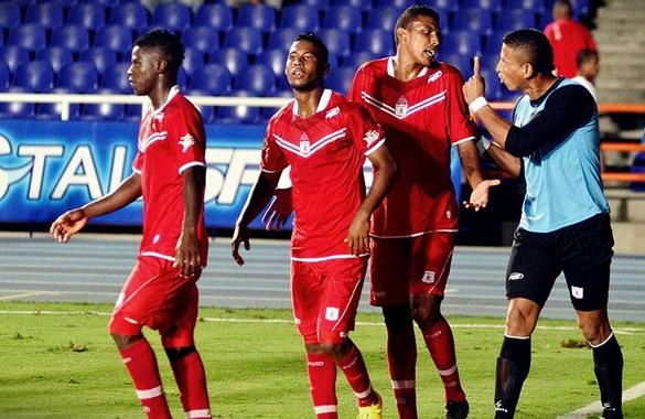 América cayó 3-2 con Real Cartagena y complicó su regreso a la A