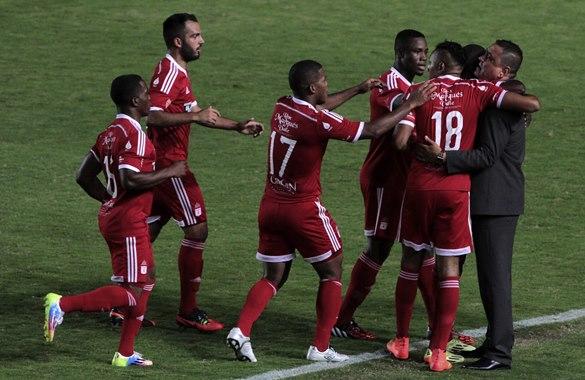 América goleó 3-0 a Dépor y volvió al segundo lugar del torneo