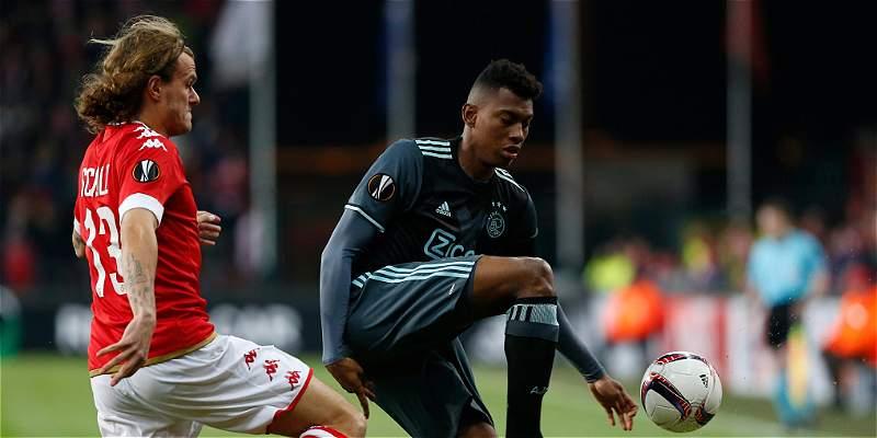 Casierra jugó los 90 minutos en 1-1 del Ajax en su visita al Standard