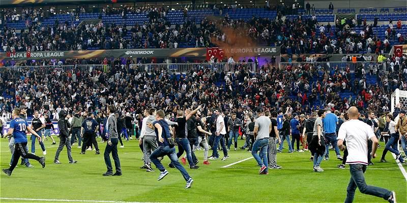 Peleas en el Lyon vs Besiktas