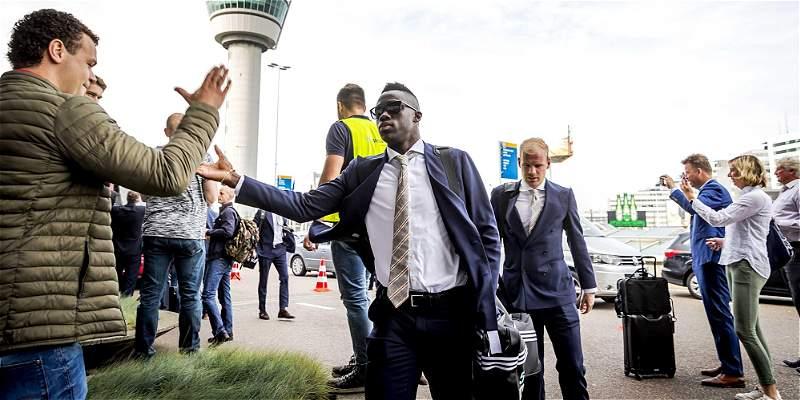 Con Dávinson Sánchez, Ajax arribó a Suecia para final de Europa League