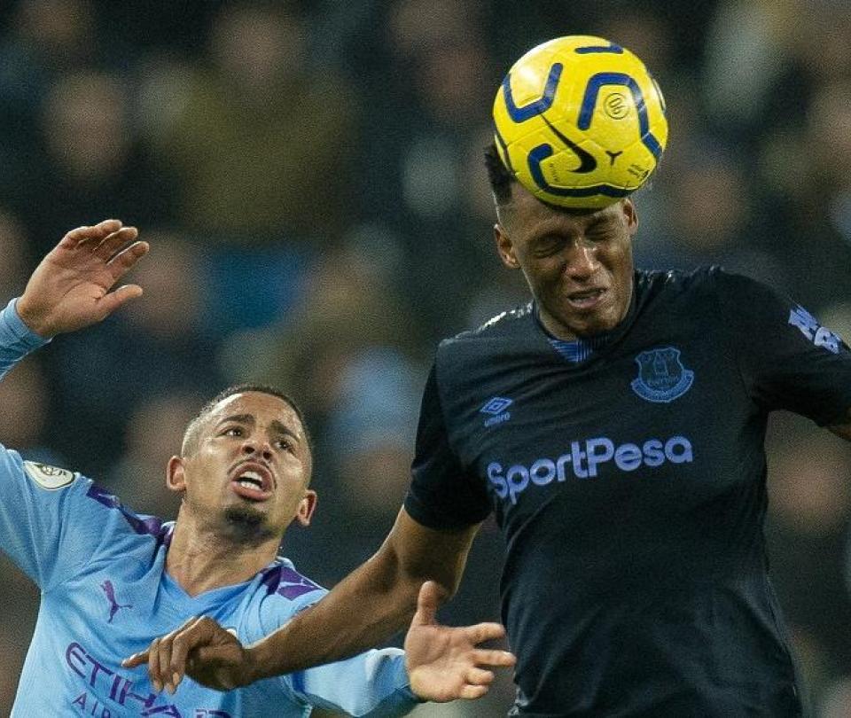 Con Mina de titular, Everton vendió cara su derrota en Premier League 2