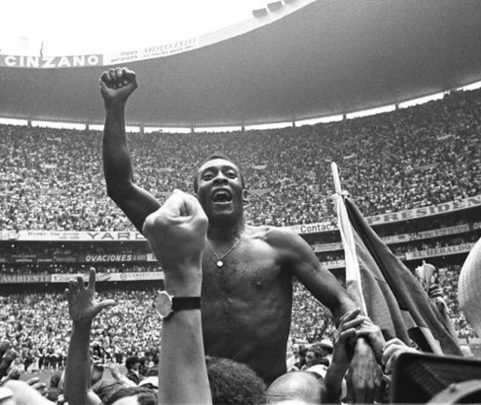El mundo celebra el cumpleaños 79 de Pelé, leyenda del fútbol | Curiosidades de fútbol 1