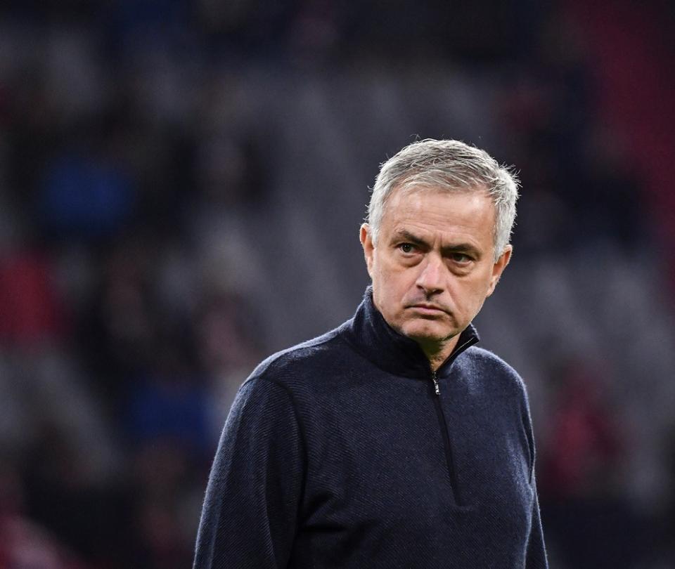 ¡Explotó contra todo el mundo! Fuerte crítica de Mourinho tras derrota 2