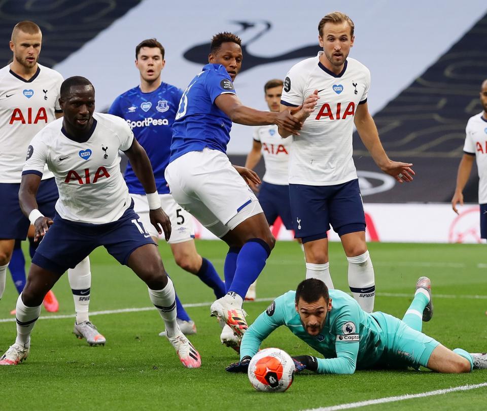 ¡Casi hay golpes! Pelea en pleno partido entre compañeros de Tottenham 2