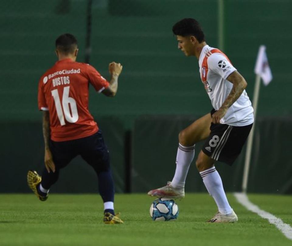 Otro golpe a colombianos de River: derrota en Copa antes de Palmeiras 1