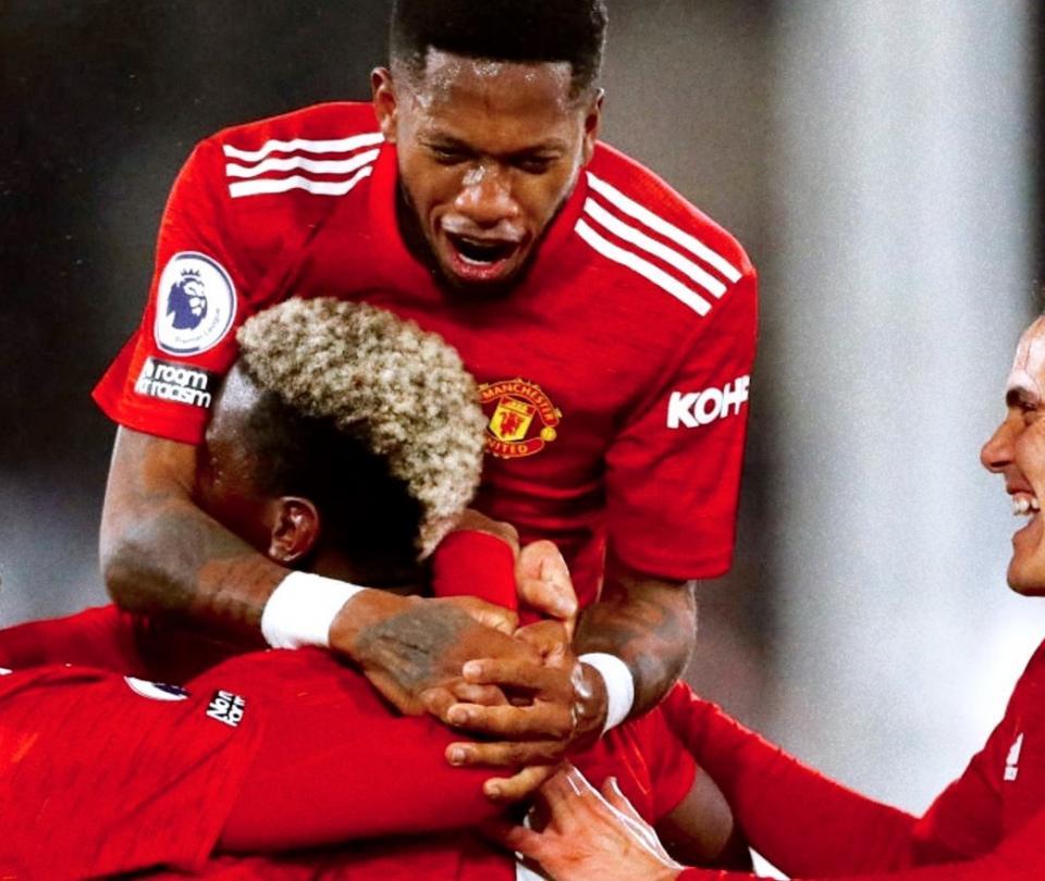 Manchester United sigue a la cabeza de la Premier: venció 1-2 a Fulham 1