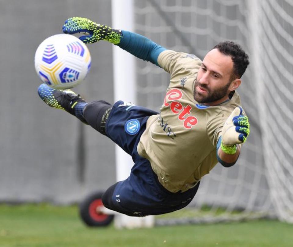 David Ospina se recuperó de la lesión del muslo y entrenó con Napoli este jueves | Serie A 1