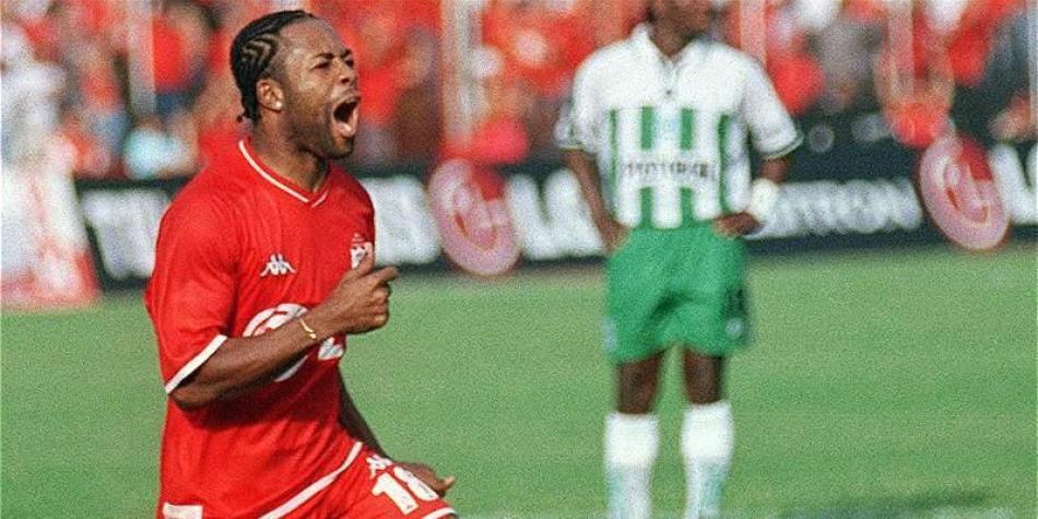 El mejor año de Jairo el 'Tigre' Castillo en América de Cali fue en 2002, donde marcó los tres goles del título frente a Atlético Nacional.