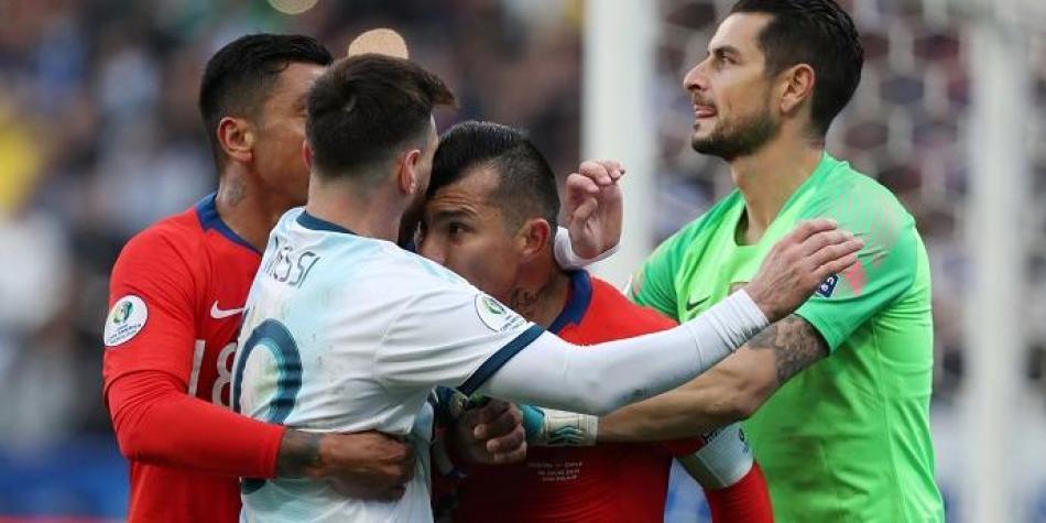 Resultado de imagen para la expulsion de messi en la copa america 2019