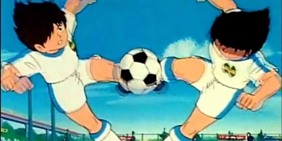 ¡Sólo en Asia! El gol de doble chilena al estilo de Supercampeones