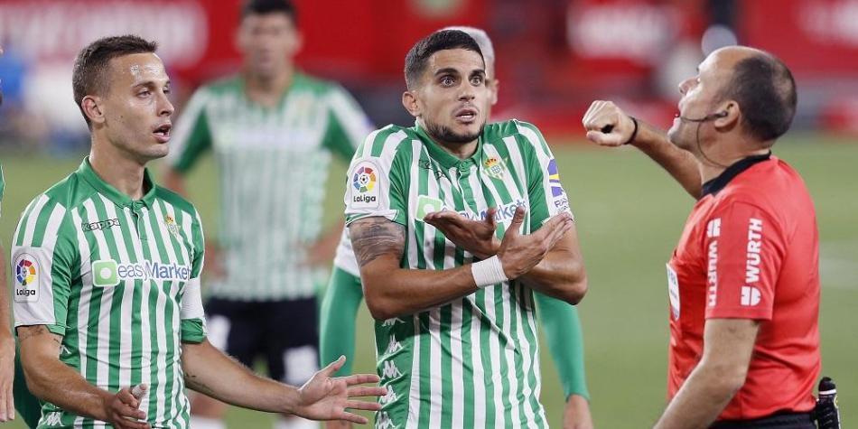 Noticias fútbol | Bartra aseguró que el penal no fue y apuntó ...