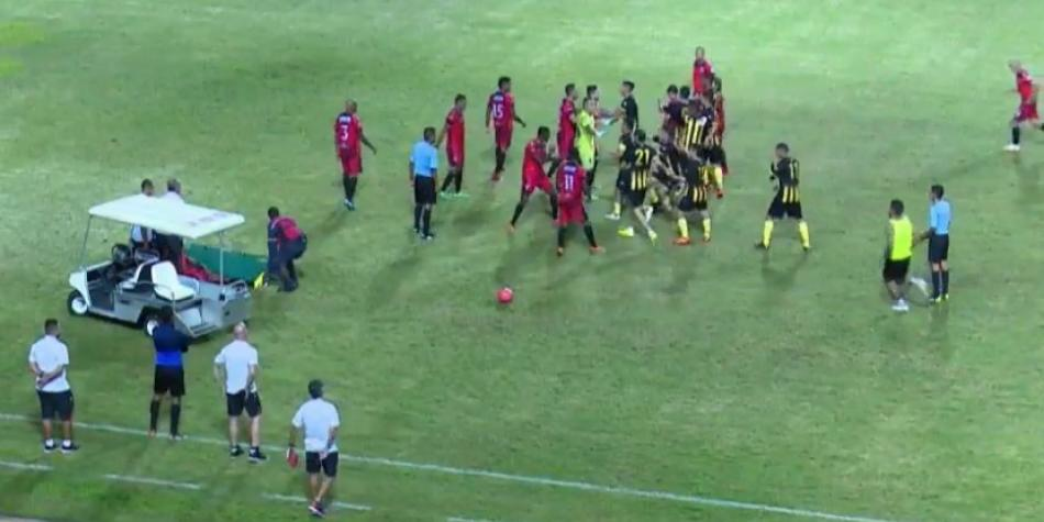 Así fue la trifulca entre jugadores del Cúcuta y Deportivo Táchira