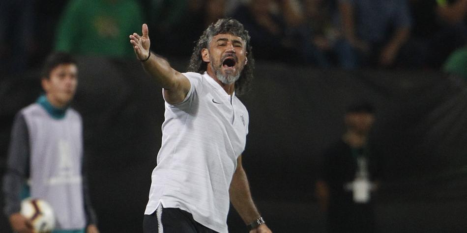 Leonel Álvarez se va de Libertad de Paraguay — Sorpresa