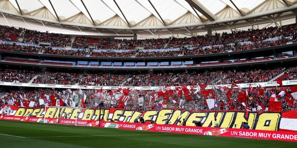 Récord de un partido de fútbol femenino entre Atlético de Madrid y ... d2c3412410455