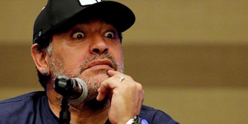 Diego Maradona busca dirigir un legendario equipo inglés: