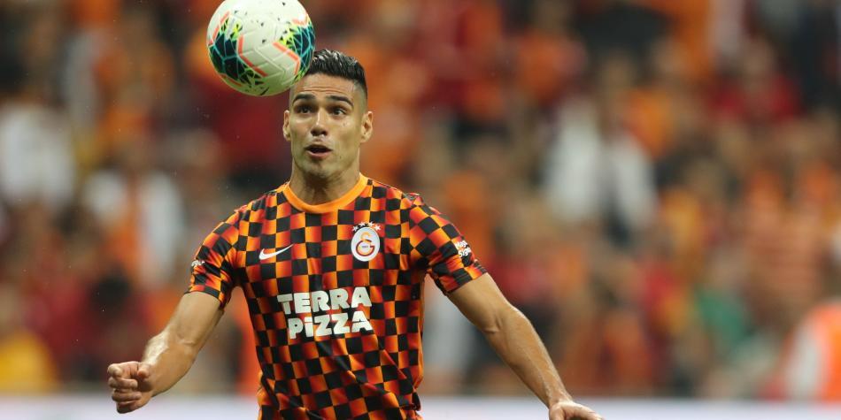 Aumentan las críticas para Falcao por su trabajo en el Galatasaray