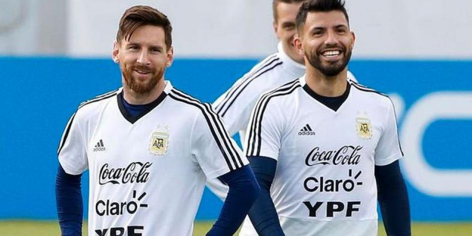Leo Messi y el 'Kun' Agüero, en una sesión con Argentina.