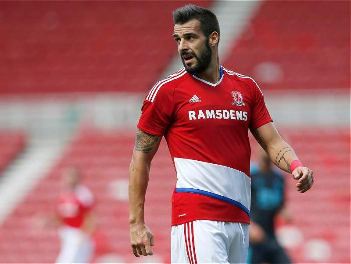 Álvaro Negredo arribó al Middlesbrough, equipo que recién ascendió a la Premier League.