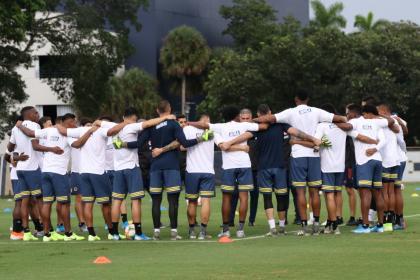¡Alineación llena de sorpresas! Así jugará Colombia vs Perú en Miami