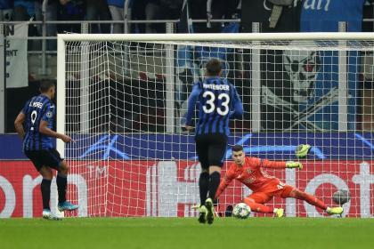 Primer gol de Muriel en Champions en la primera victoria del Atalanta